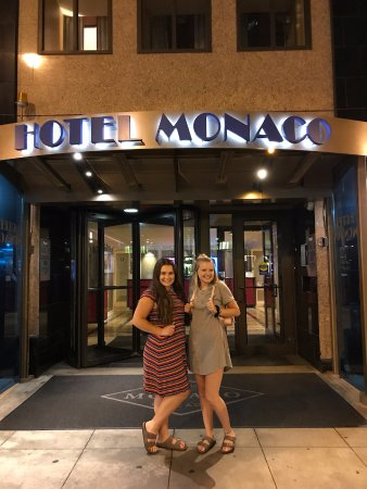 Kimpton Hotel Monaco Chicago: A fun evening in the city at the Hotel Monaco