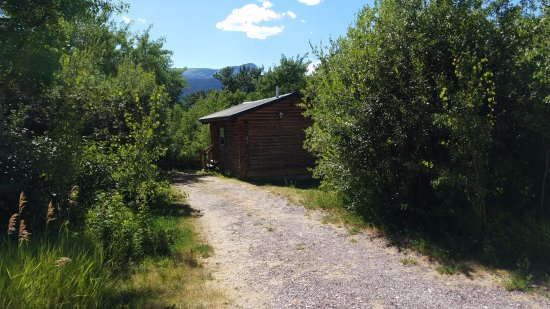 Glacier trailhead cabins updated 2017 prices reviews for St mary lodge and cabins