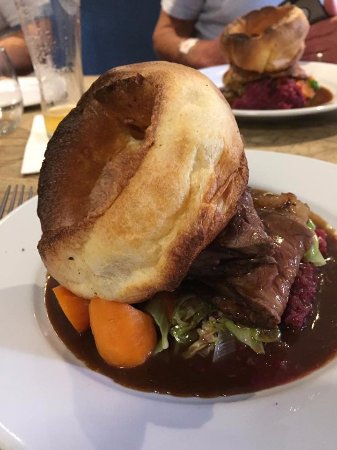Letheringsett, UK: Roast at the Kings head