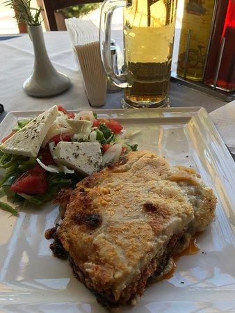 Mezepolis Kebab & Tavern: photo0.jpg