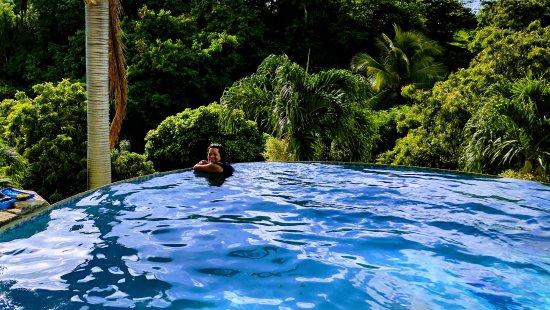 Maca Bana: Infinity Pool
