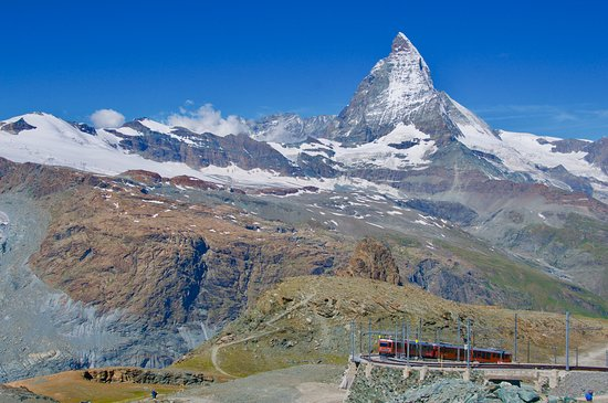 Hotel Mont Cervin Palace: Take the Gornergrat rail up and walk down to Riffelalpl and then take the train again down