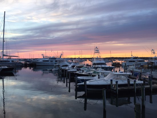 The Cottages at Nantucket Boat Basin: Sunrise from Kittywake balcony
