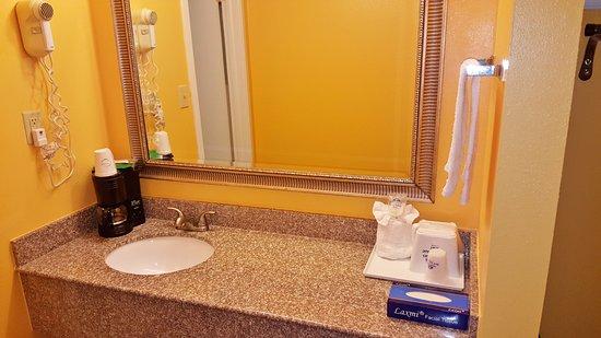 Enterprise, AL: Bathroom