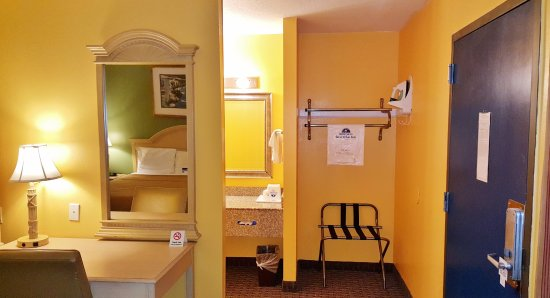 Enterprise, AL: Room Amenities
