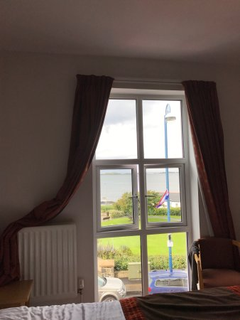 Portrush Atlantic Hotel: Nice family room with the nice view but i would not stay there again