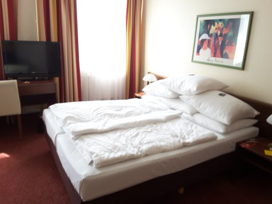 Hotel Central: standard plus double room