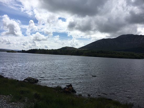 Lough Inagh Lodge: Stunning Lough Inagh