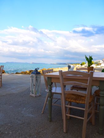 Prefer us for our beautiful location and view, our beautiful dishes with their familiar tastes