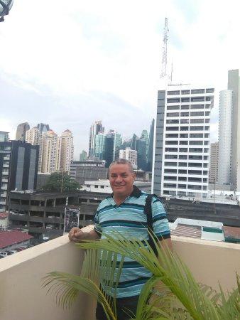Hotel Coral Suites: Vista de los alrededores desde Piscina