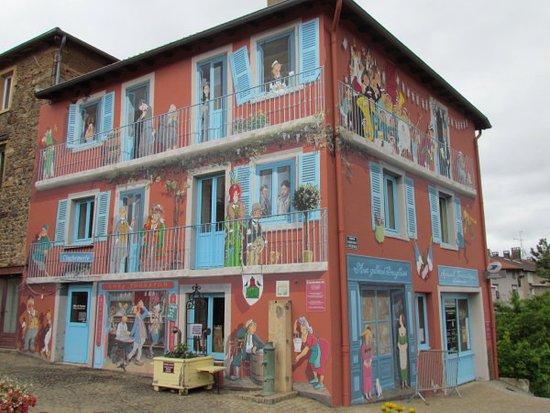 Antenne Touristique de Clochemerle : The mural of Vaux-en-Beaujolais
