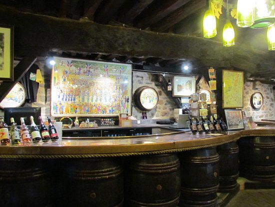 Antenne Touristique de Clochemerle : Inside the Caves of Clochemerle