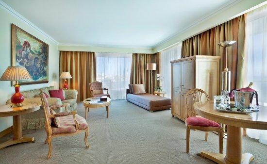 Hotel Cascais Miragem: Sala Suite