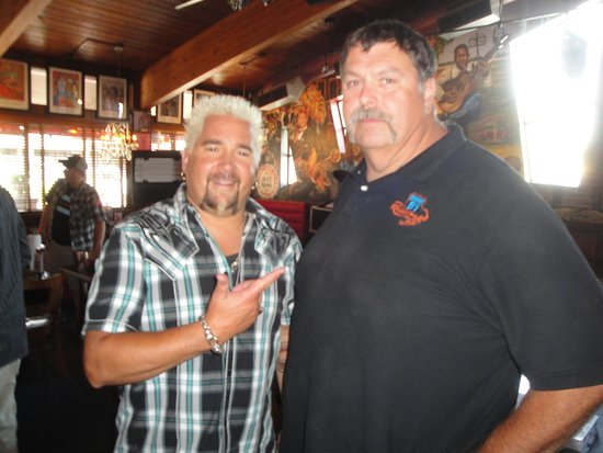 Food Networks Diners Drive Ins Dives Guy Fieri Visits Hwy 61