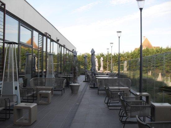 Hôtel les bains de Cabourg : la terrasse du restaurant