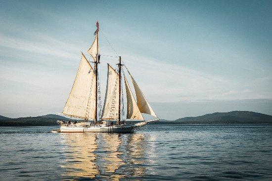 Maine: Isaac H. Evans Windjammer