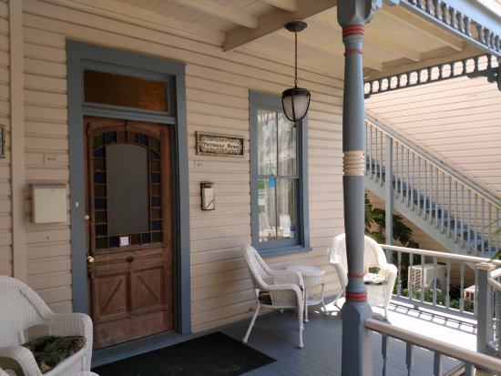 Victorian House: Welcoming front porch of main house