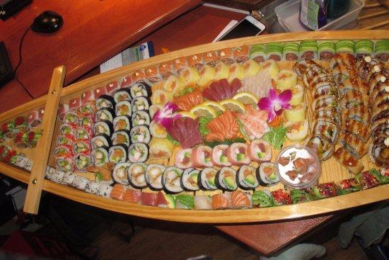 Kapellen, Bélgica: Sushi Boat Deluxe voor 4/5 personen