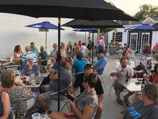 Pinckneyville, IL: Nice outdoor patio area