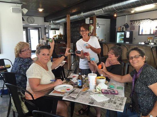 Pinckneyville, IL: Painting Party