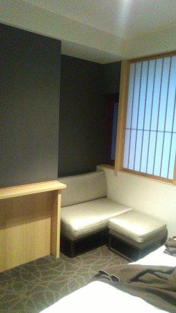 Mitsui Garden Hotel Kyoto Shinmachi Bettei: ソファーの所が涼しい