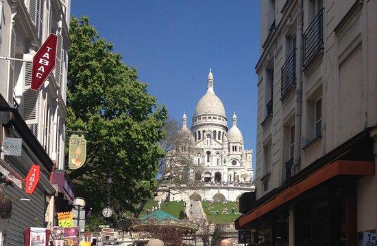 Photo of Historic Site Dome - Basilique du Sacré-Cœur de Montmartre at Basilique Du Sacré-cœur De Montmartre, Paris 75018, France