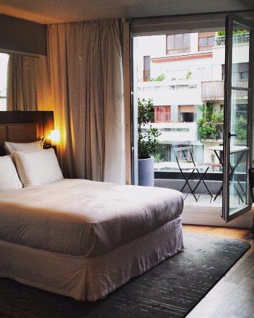 Chambre de Luxe avec balcon - Picture of Hotel Paris Bastille ...