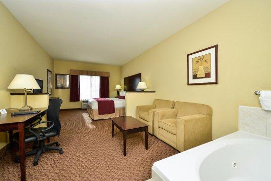 Best Western Plus Mansfield Inn & Suites: King Suite with Whirlpool