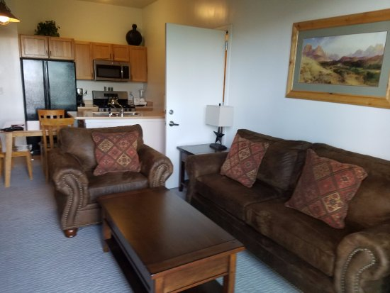Lodge at Stillwater: Living Room, Kitchen and eating area Unit 1038AB