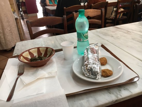 Shawarma Station Halal : Shawarma station 1 agosto 2017 all'ora di pranzo: sono l'unico romano, anzi l'unico italiano pre