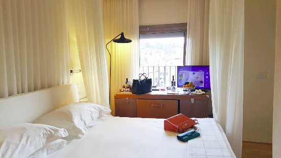 Continentale: Inside the arno river view deluxe room