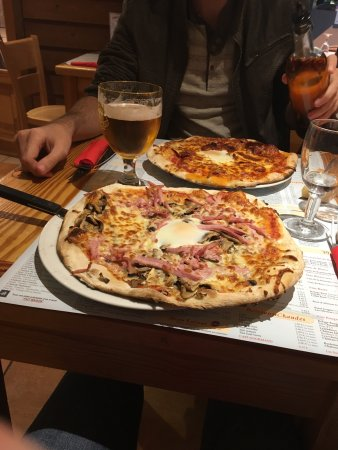 Le Grand-Quevilly, Prancis: Pizza royale