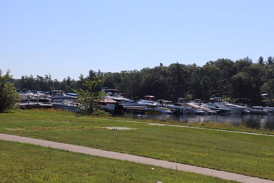 Wellesley Island, NY: The marina