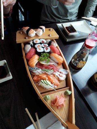 restaurant japan sakura dans cherbourg octeville avec cuisine japonaise. Black Bedroom Furniture Sets. Home Design Ideas