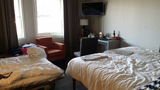 Radisson Blu Polar Hotel, Spitsbergen, Longyearbyen: 20170730_182734_large.jpg