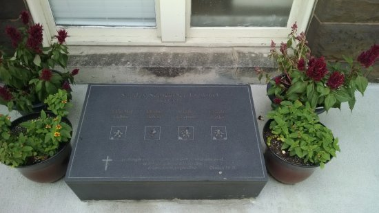 16th Street Baptist Church: Memorial to the young girls slain during the 1963 bombing