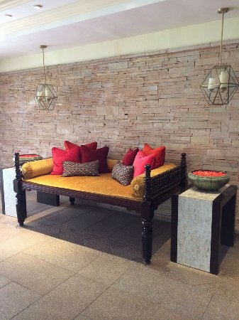 Leela Cottages: Lobby