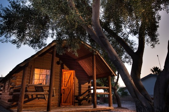 Ehrenberg, AZ: Cabin rentals available