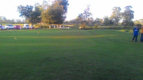 Kaziranga Golf Resort: golf area