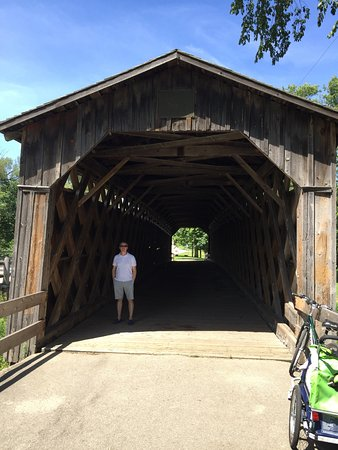 Cedarburg, WI: Covered bridge