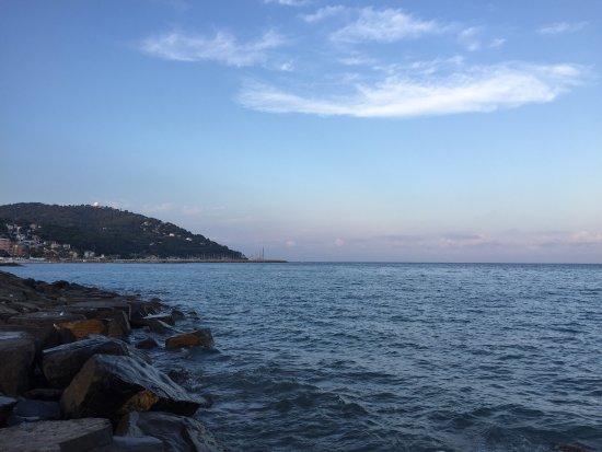 Spiaggia Libera Attrezzata AMA