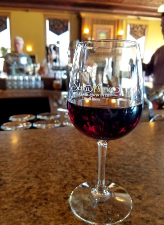 Carroll, IA: Enjoy a glass at our wine bar!