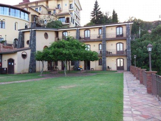 Zafferana Etnea, Italie : received_1412925042154931_large.jpg