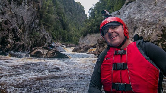 Tasmanien, Australien: Happy after raft guides negotiated us past one of the more tricky bits