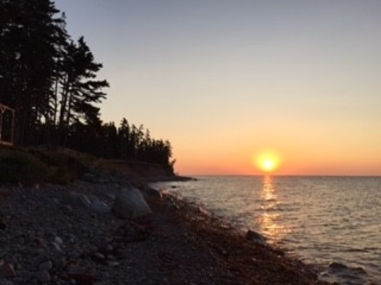 Indian Brook, Kanada: Sunrise at Sea Parrot Ocean View Manor
