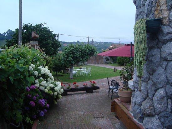 Hotel rural la llosa de samano castro urdiales spanje for Jardines tivoli zona 9