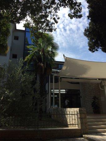 Hostin Hotel: Hotel Flores (korábban Hostin)