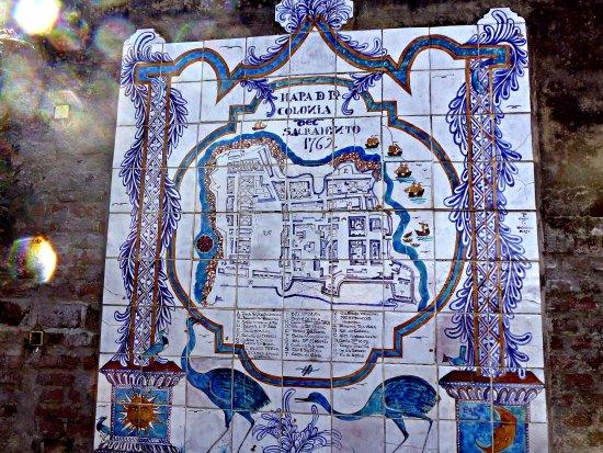 Museo de Azulejos: Mural geografico