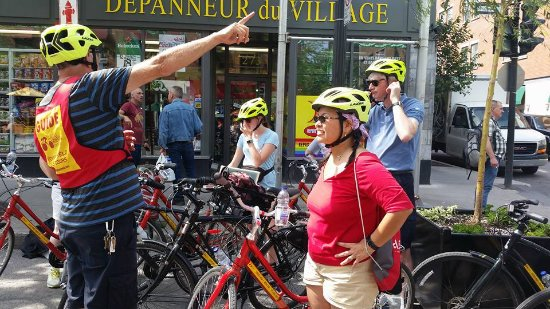 Montreal, Canada: Easy to handle comfort bikes with 7-speed gears, helmets were provided.