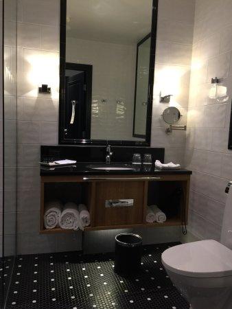 Art Deco Stil Ogsa Pa Badet Picture Of Hotel Lilla Roberts